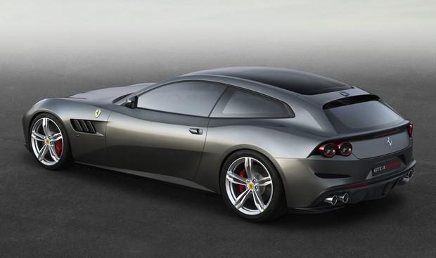 Ferrari-4RM14022016 2